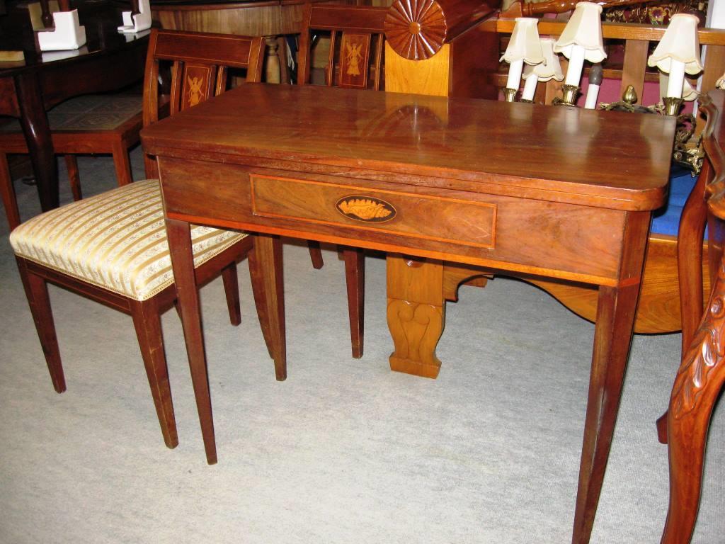 rengøring af mahogni møbler